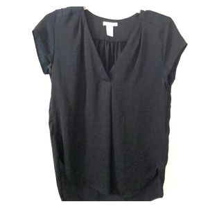 H&M black Vneck blouse short sleeved NEW